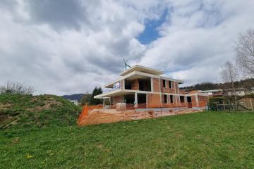 Moderna hiša novogradnja