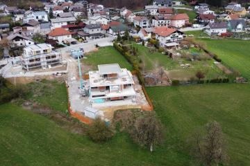 Novogradnja stavbe v prijetnem okolju